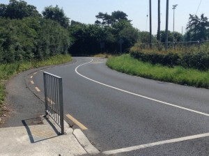 Blind corner at Somerton Park crossing